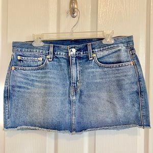 Women's denim mini skirt, Levi's, sz 30